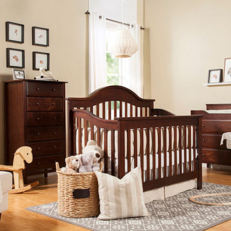DaVinci Furniture Crib