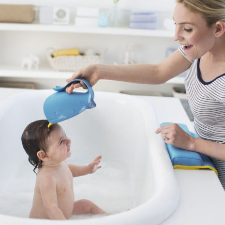 baby bath rinser hair