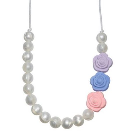 Munchables Pearl Roses Necklace